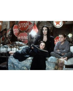 """Private Signing """"Anjelica Huston The Addams Family 9"""""""